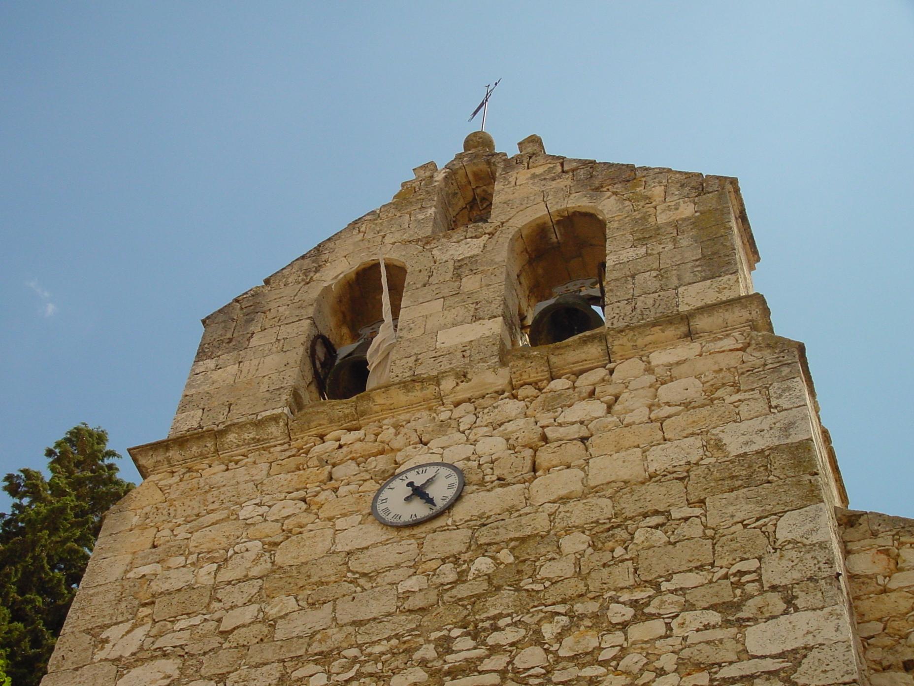 Campanario de iglesia en Perales de Tajuña