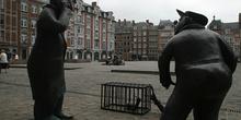 Escultura y Plaza de Armas, Namur, Bélgica