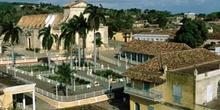 Plaza de un pueblo, Cuba