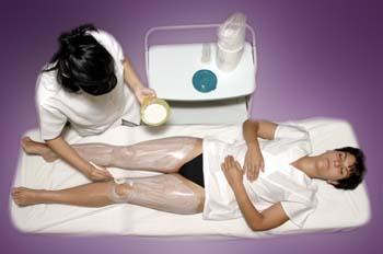 Masaje y mascarilla corporal: aplicación de mascarilla