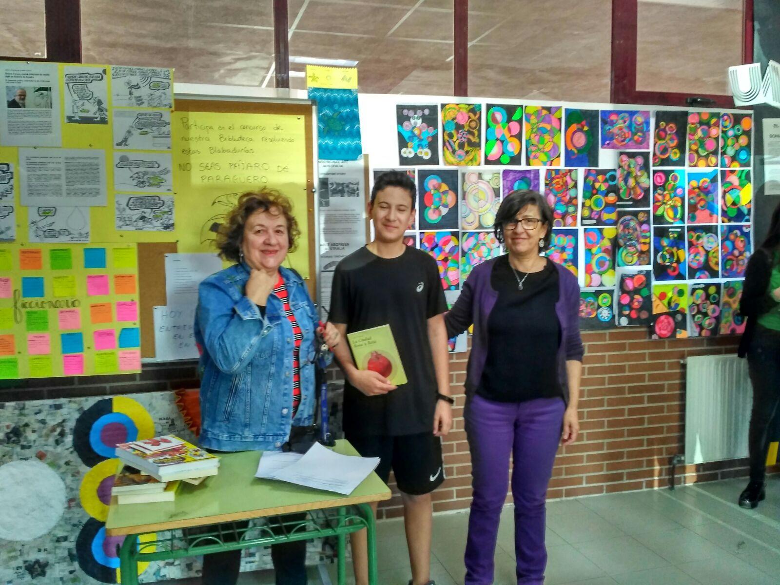 Entrega premios concurso literario y fotografía matemática 5