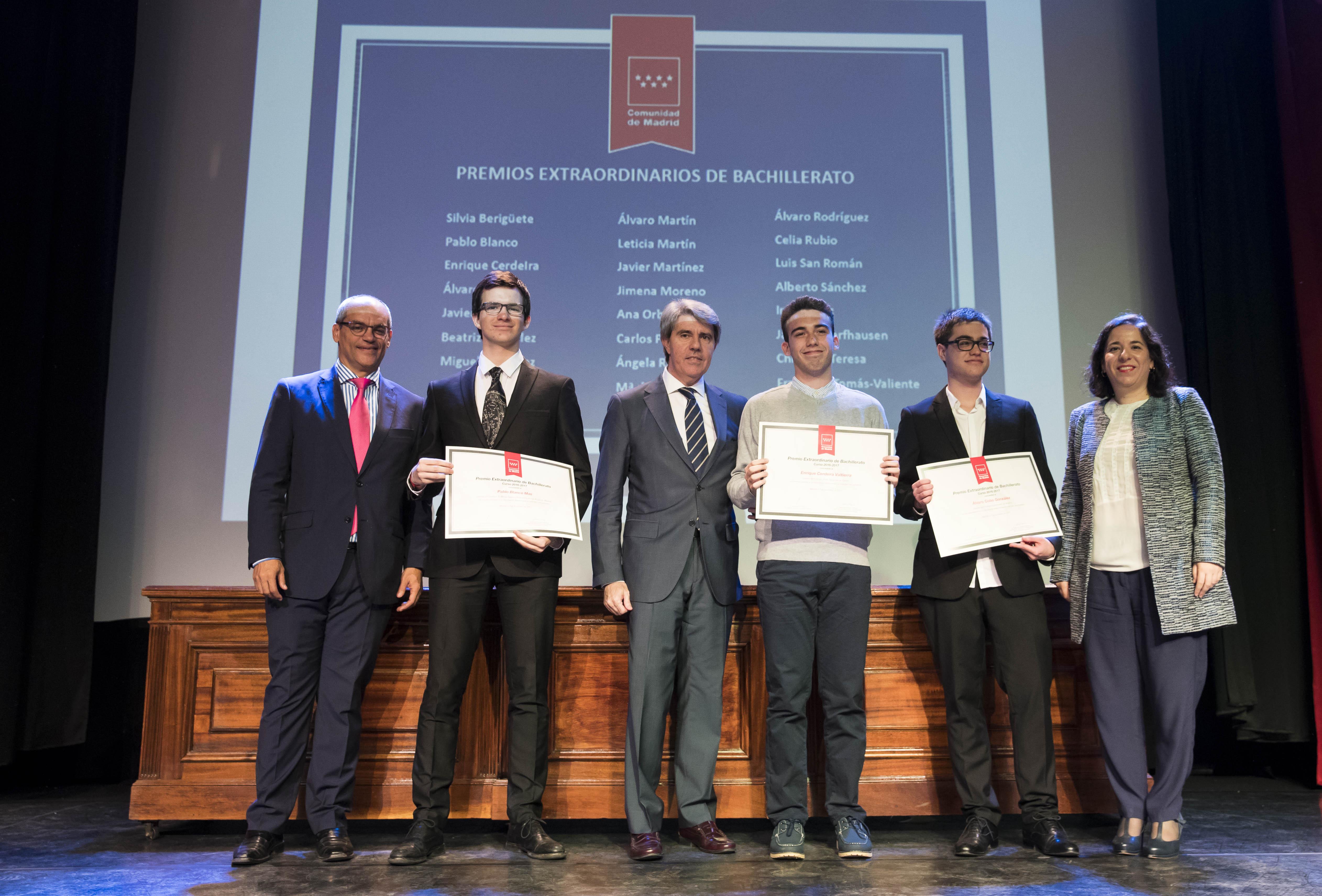Entrega de los premios extraordinarios correspondientes al curso 2016/2017 5