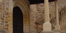 Arco y Portada de la Iglesia en Buitrago de Lozoya
