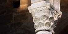 Detalle de un capitel de Santa María del Naranco, Oviedo, Princi