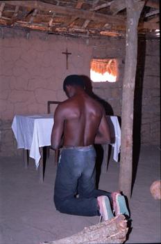 Catequista orando, Mozambique