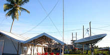 Comunicaciones satélite, campamento Cruz Roja, Melaboh, Sumatra,