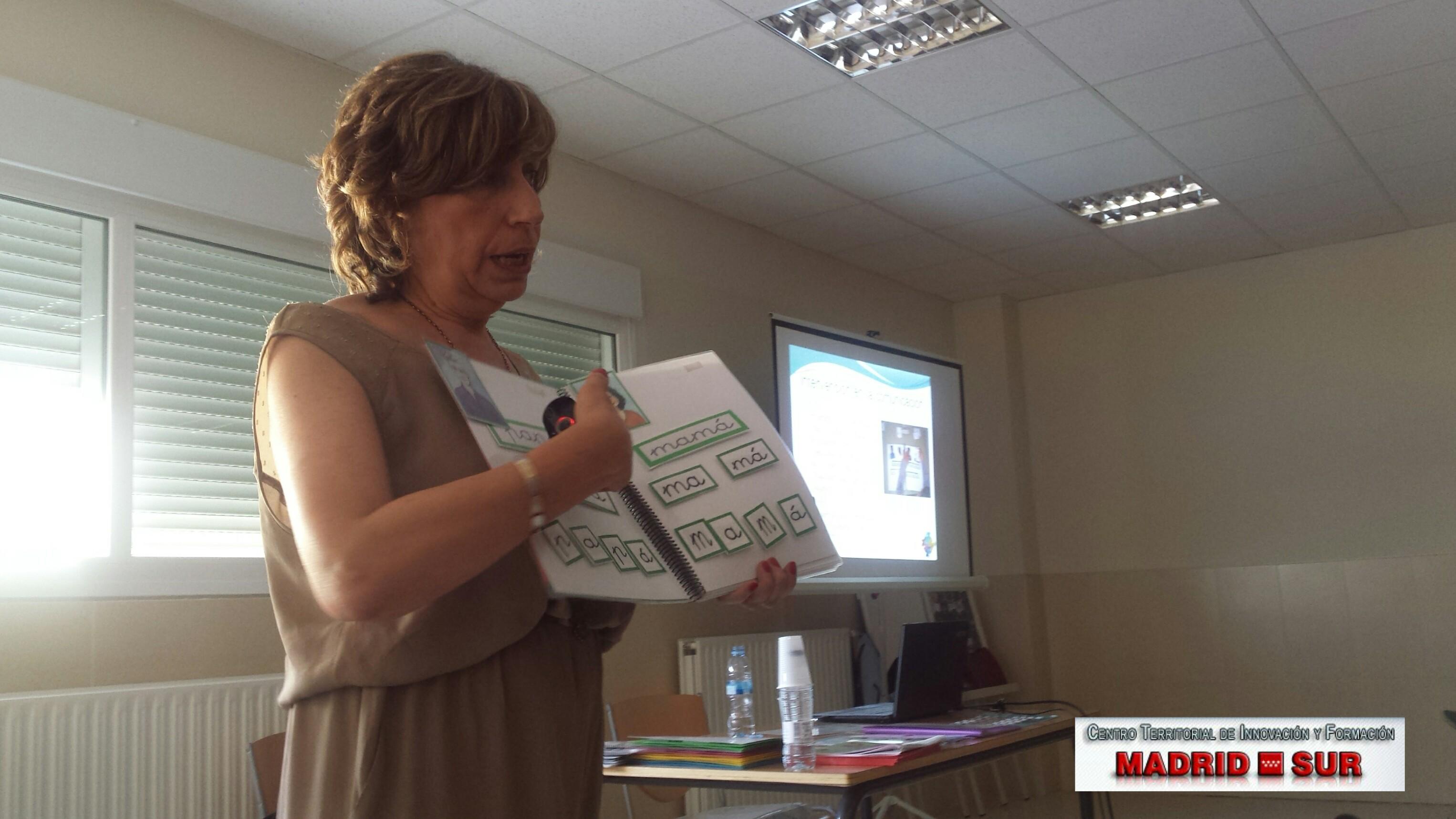 Última ponencia del Curso sobre  Formacion Inicial en TEA en el colegio Nuestra Señora de la Concepción de Navalcarnero, impartida por Teresa Guijarro Roda, miembro del aula TEA del Colegio Montserrat de Madrid, el día 29 de junio de 2016.
