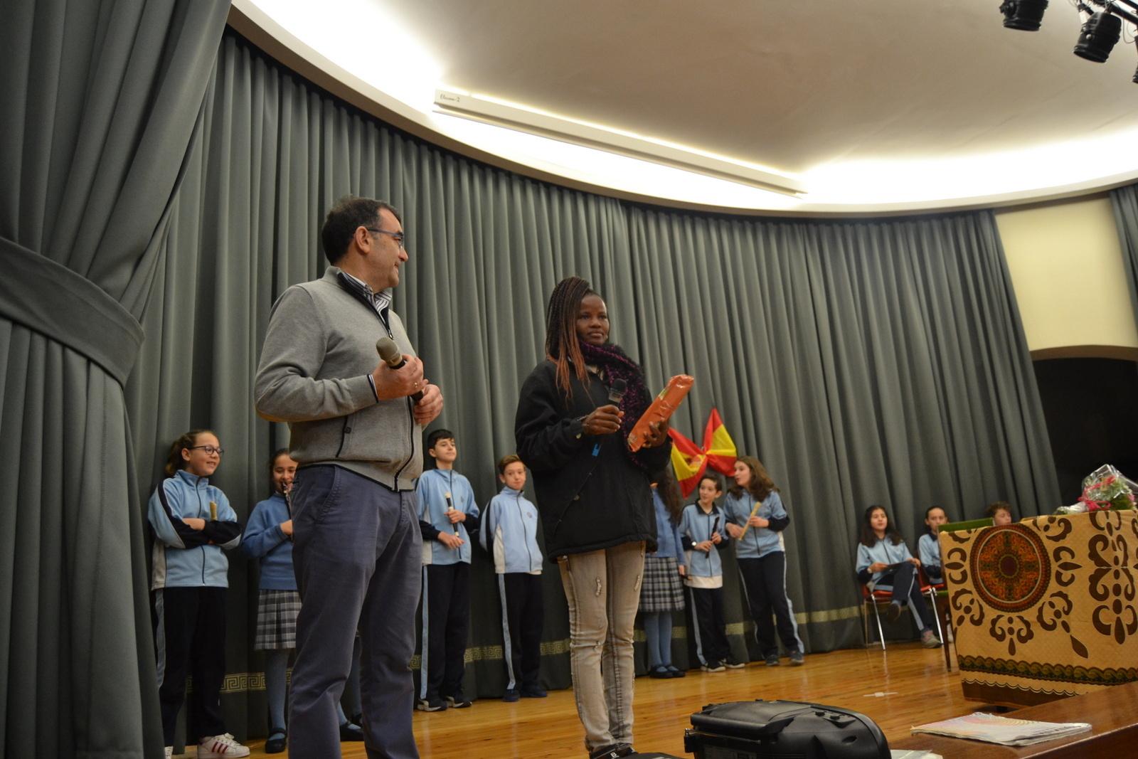 Bienvenida a Susan (profesora de Angola) 49