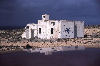 Casa grafitada, Canarias