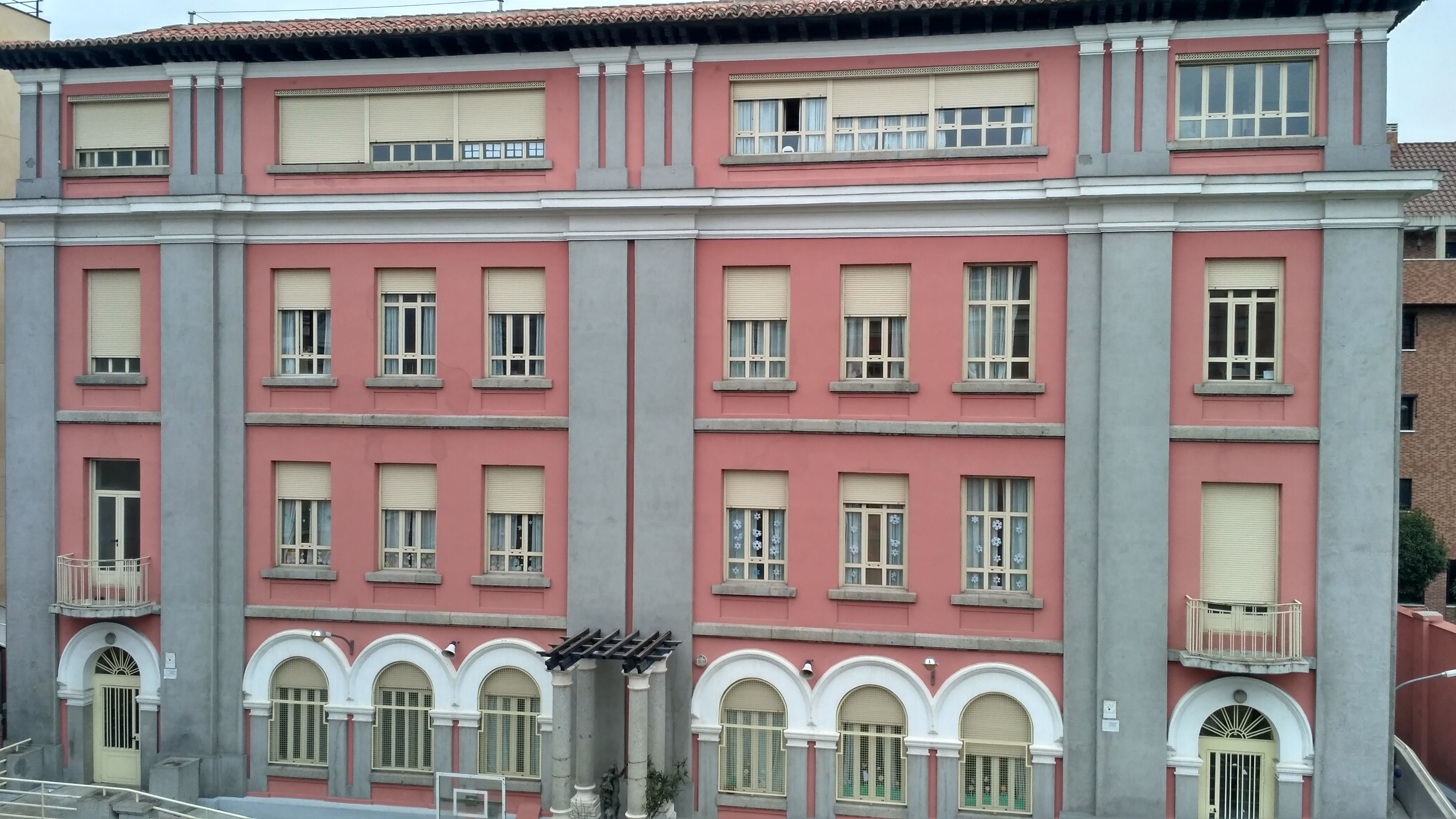 OBRA DE ARTE ARQUITECTÓNICA. INAUGURADO EN 1933.