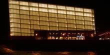 Vista nocturna del Palacio de Congresos-Auditorio Kursaal, San S