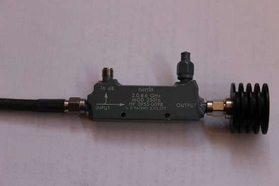 Acoplador direccional para frecuencias de 2 a 8 Ghz