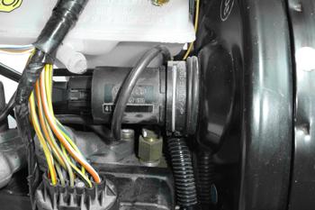 Sistema ABS MK-IV. Ubicación del sensor de recorrido