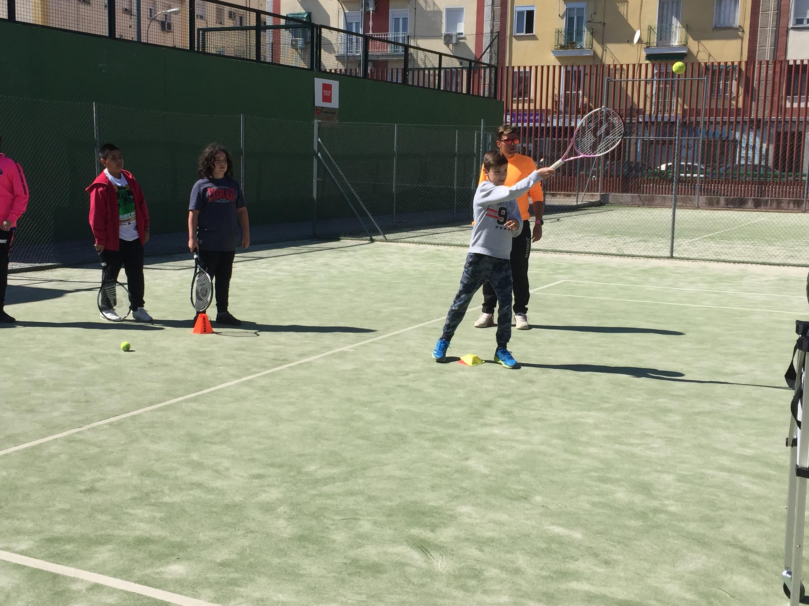 MAÑANAS ACTIVAS. Polideportivo San Vicente de Paul. 16