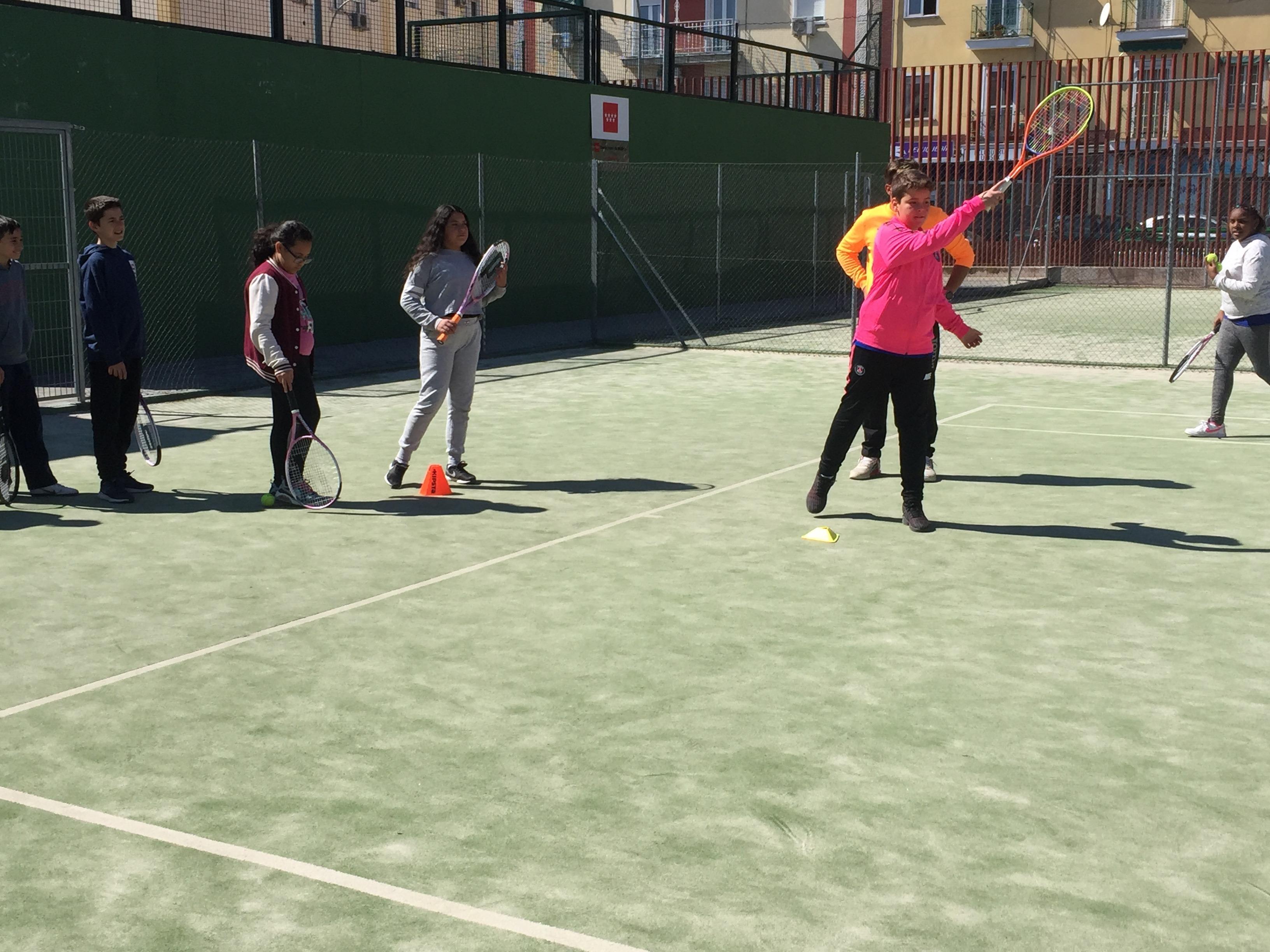 MAÑANAS ACTIVAS. Polideportivo San Vicente de Paul. 18