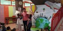 """Infantil 3 años y 1º de Primaria visitan los expositores del la """"Vuelta al Mundo"""" 2"""