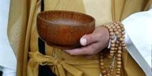 Cuenco y rosario budista