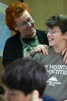 Profesora anima a alumno