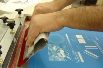 Posición de manos en impresión