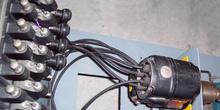 Arco eléctrico producido por un magneto en una máquina de prueba