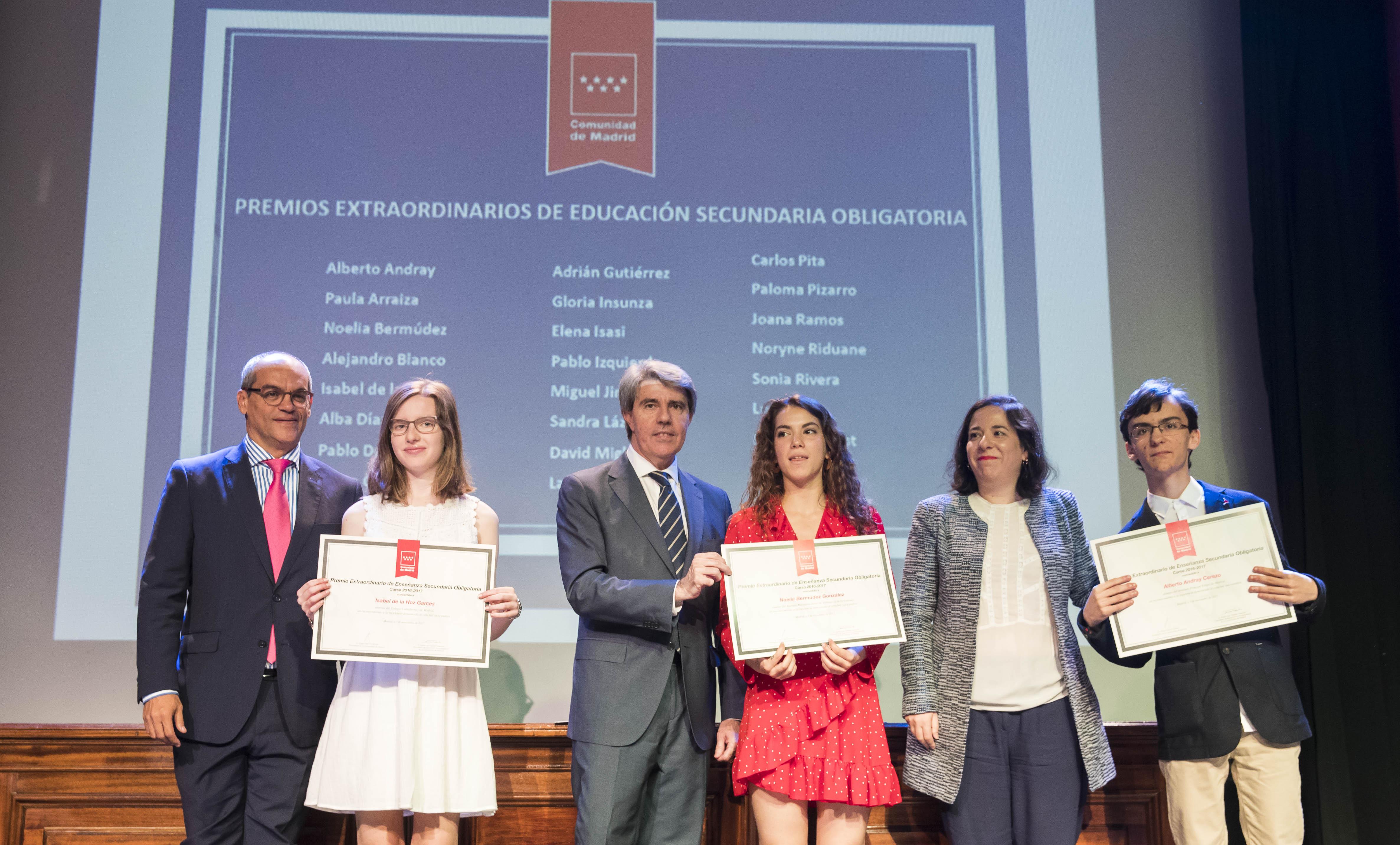 Entrega de los premios extraordinarios correspondientes al curso 2016/2017