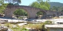 Puente romano sobre el río Cofio en Valdemaqueda