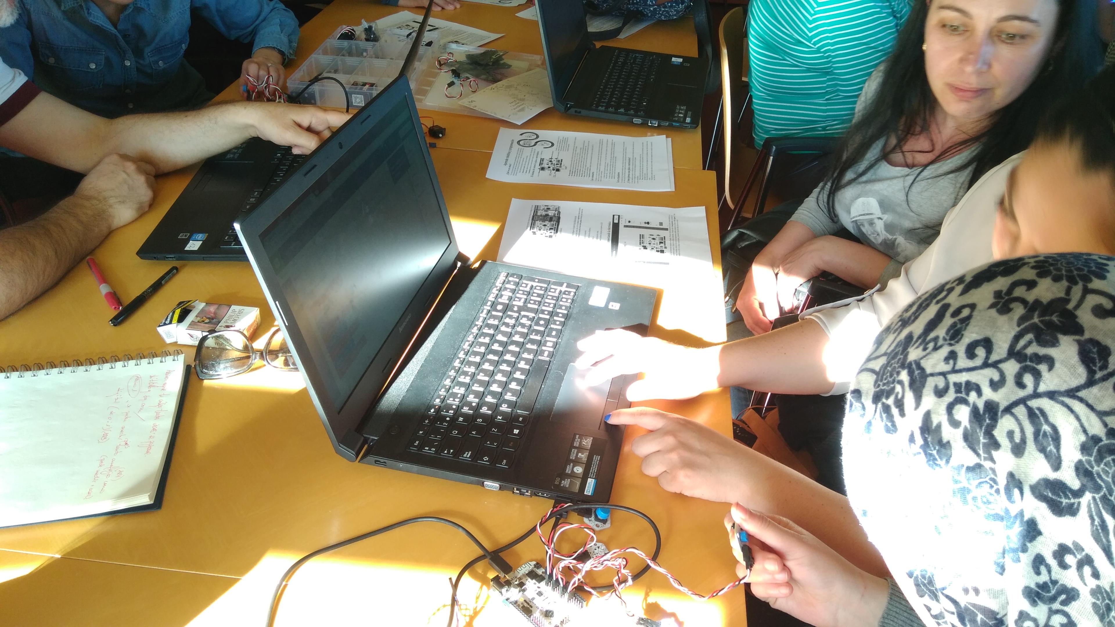 I Jornada de Programación, Robótica e Impresión 3D en educación para adultos. 04-04-2017 42