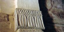 Capitel de la iglesia de San Salvador de Priesca, Villaviciosa,