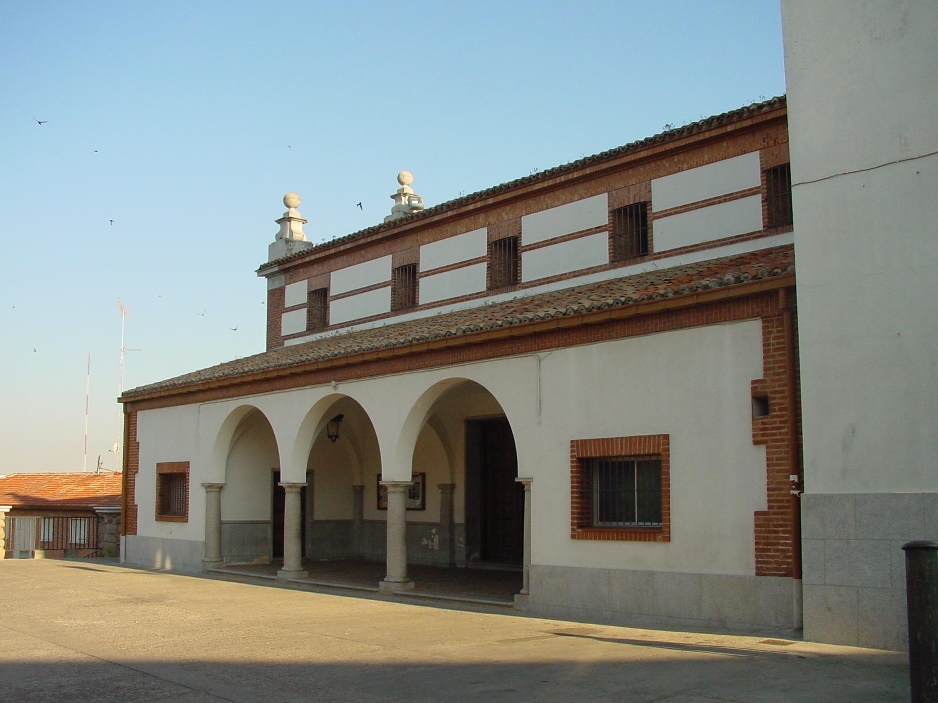 Lateral de iglesia en Pozuelo de Alarcón