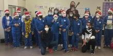 Los alumnos de infantil cantan a la navidad