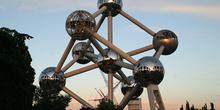 El Atomium (en restauración), Bruselas, Bélgica
