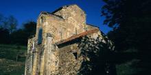 Fachada sureste de la iglesia de San Miguel de Lillo, Oviedo, Pr