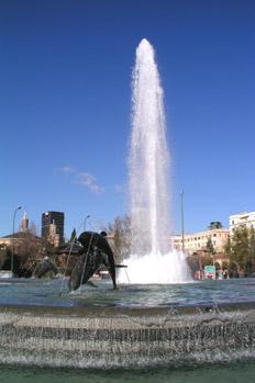 Fuente de los Delfines, Madrid
