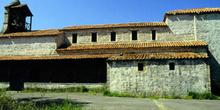 Detalle del edificio de la iglesia de Santiago de Gobiendes, Col