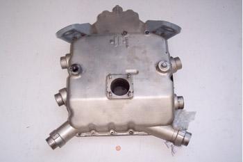 Cárter de aceite de un motor de 6 cilindros