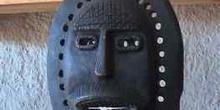 Mascara artesana alargada de hierro, Marruecos
