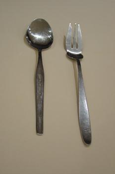 Tenedor y cuchara de servir
