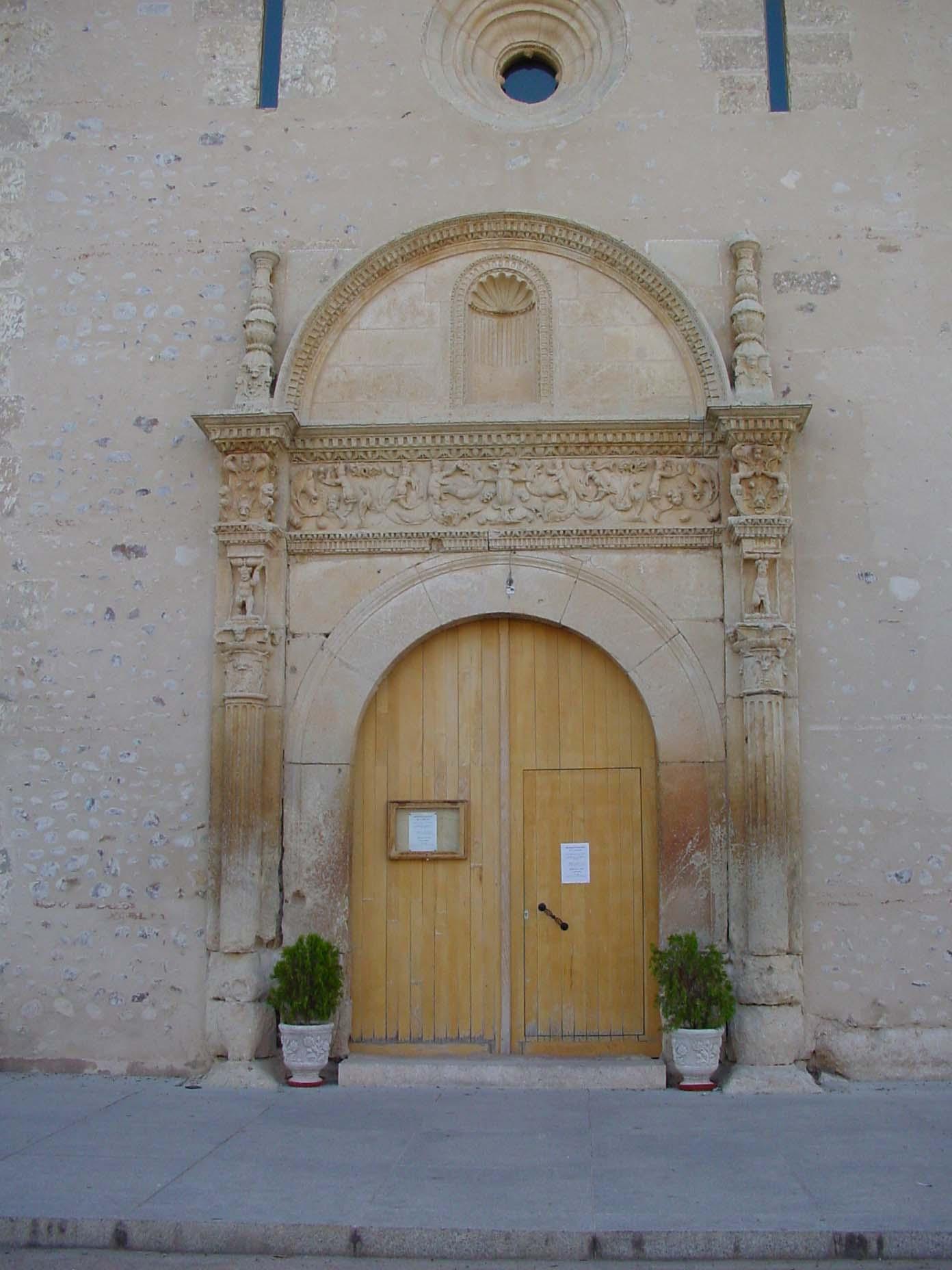 Puerta de iglesia en Valdetorres del Jarama