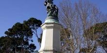 Monumento al Angel Caído en el parque del Retiro, Madrid