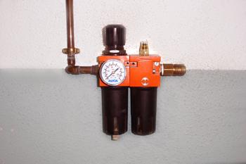 Grupo regulador de presión y lubricador