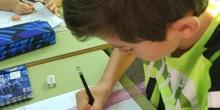 Aprendemos nuestro nombre en Braille 23
