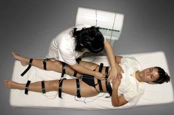 Gimnasia pasiva con cintas de caucho: conexión de cables