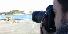 Fotógrafo enfocando un objetivo