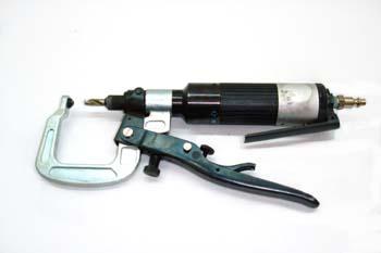 Pistola neumática sacapuntos con arco de presión