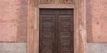 Entrada a la Iglesia de Santa María del Carmen, Pavía