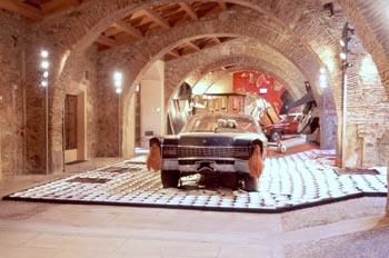 Obra Fiebre del automóvil, de Wolf Vostell - Malpartida de Cácer
