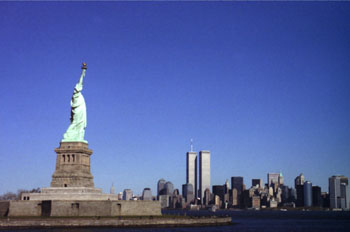 Torres gemelas y Estatua de la Libertad, Nueva York, Estados Uni