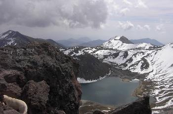 Laguna del Sol (4000m), vista desde el Pico del Fraile (4500m)