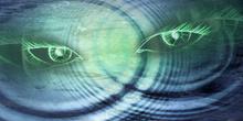 Ojos verdes en la fuente de los álamos