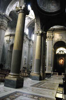 Iglesia de San Bartolomeo, Bolonia (nave central)